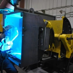 gear tilt welding positioner for multi-purpose weld shops