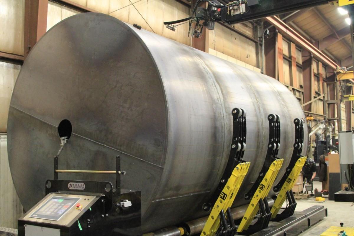 column and boom welding manipulator and turning rolls