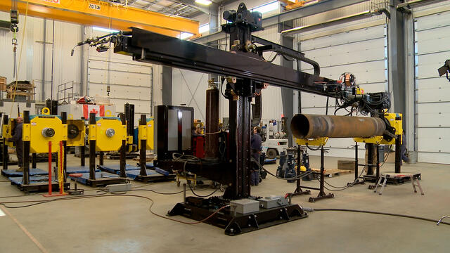 submerged arc and MIG welding manipulator for tank and vessel fabrication