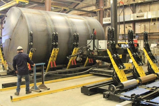 welding manipulator and tank turning rolls