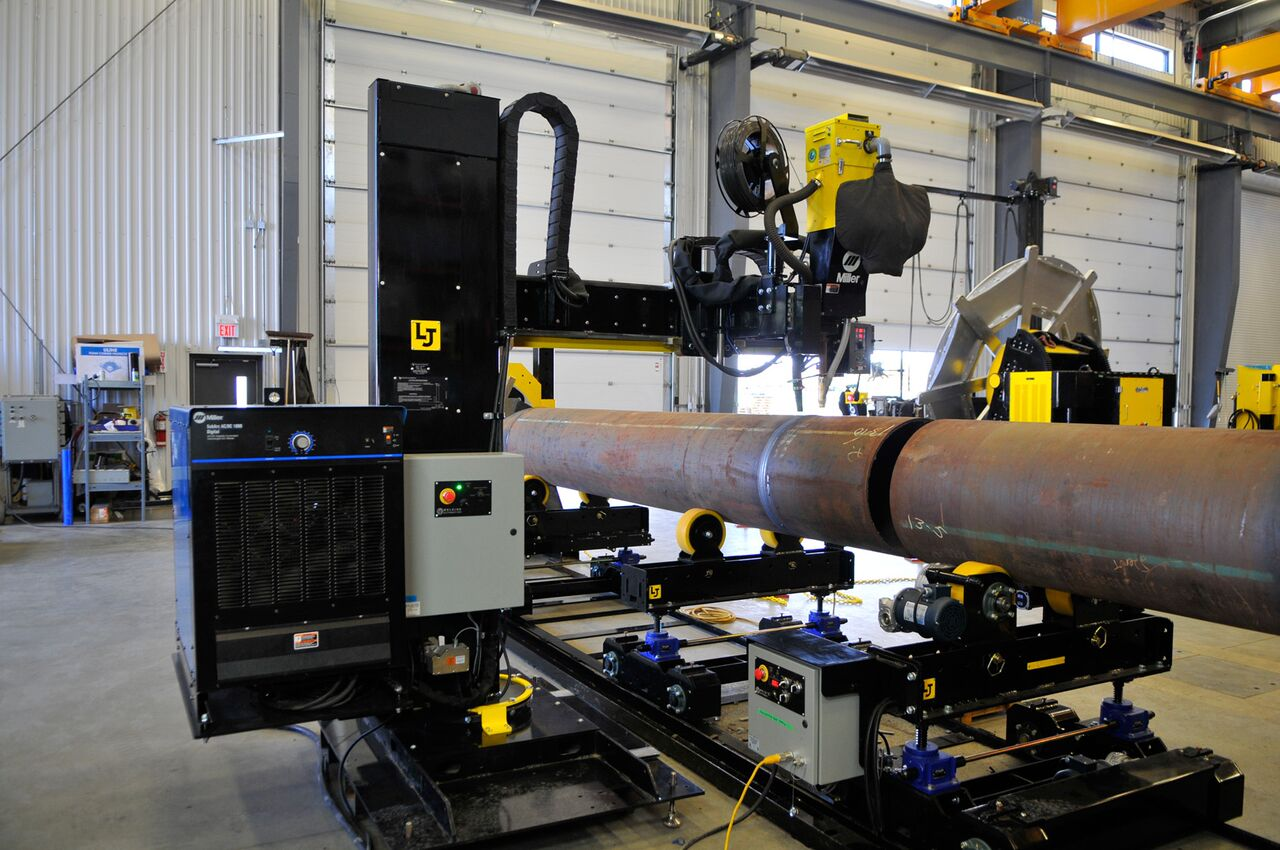 10-ton pipe double-joining turning roll set with lincoln electric powered column and boom welding manipulator system