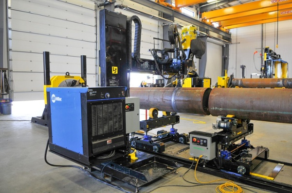 10-ton pipe double-jointing turning rolls using miller welders power source for column and boom manipulator