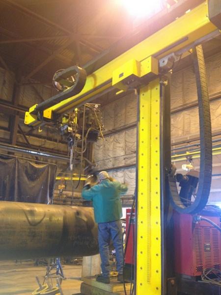 welding manipulator with vessel rotators