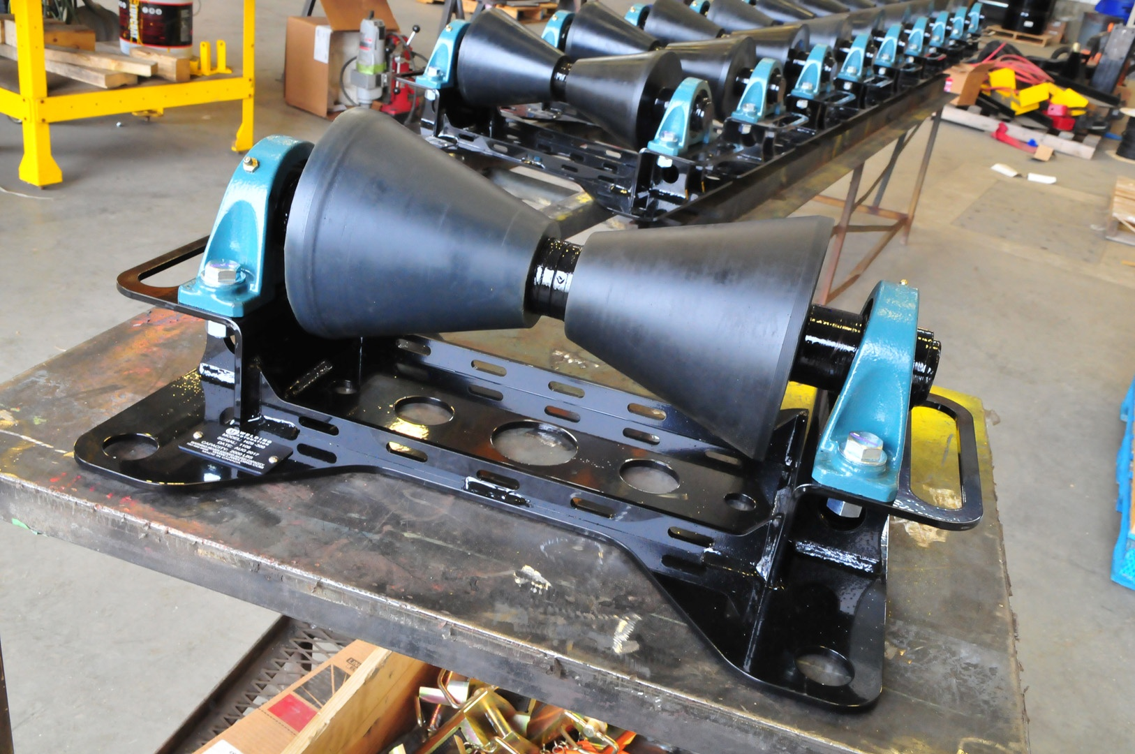 finished pipeline rollers with 1-ton capacity fully painted