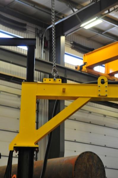 lifting eye on the MIG welding jib boom mount