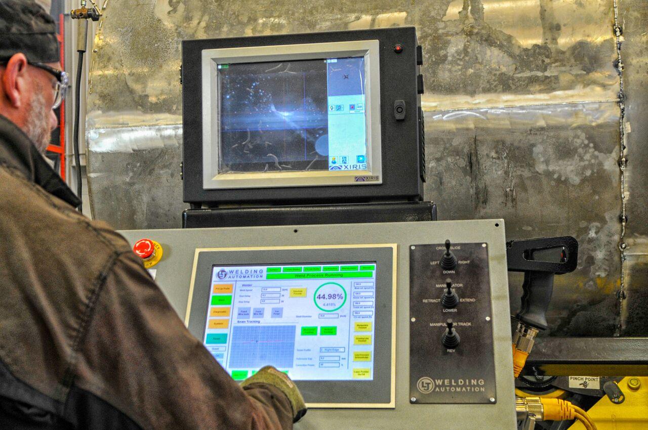 column and boom HMI touchscreen controls