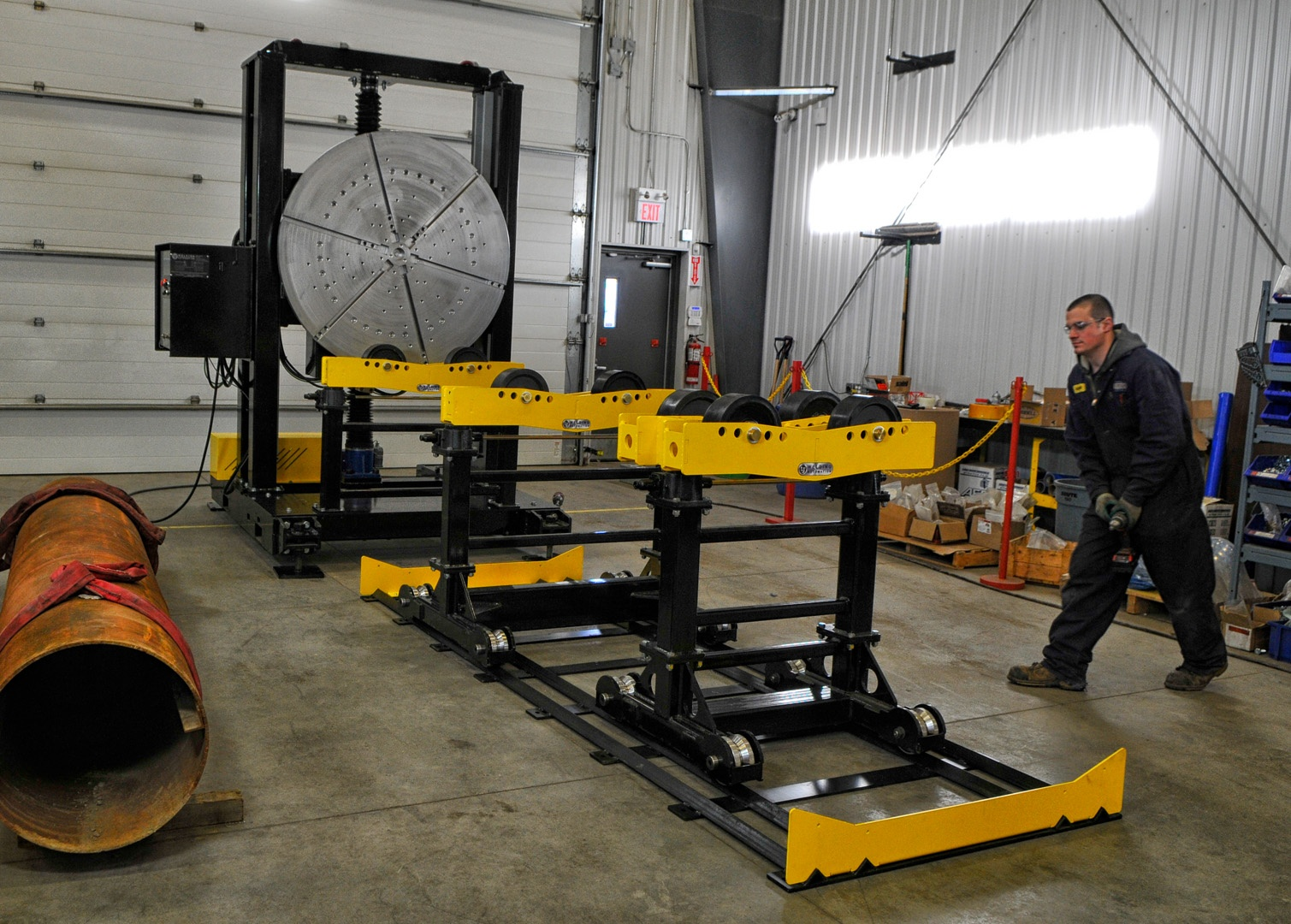 headstock welding positioner and pipe stand welding cell