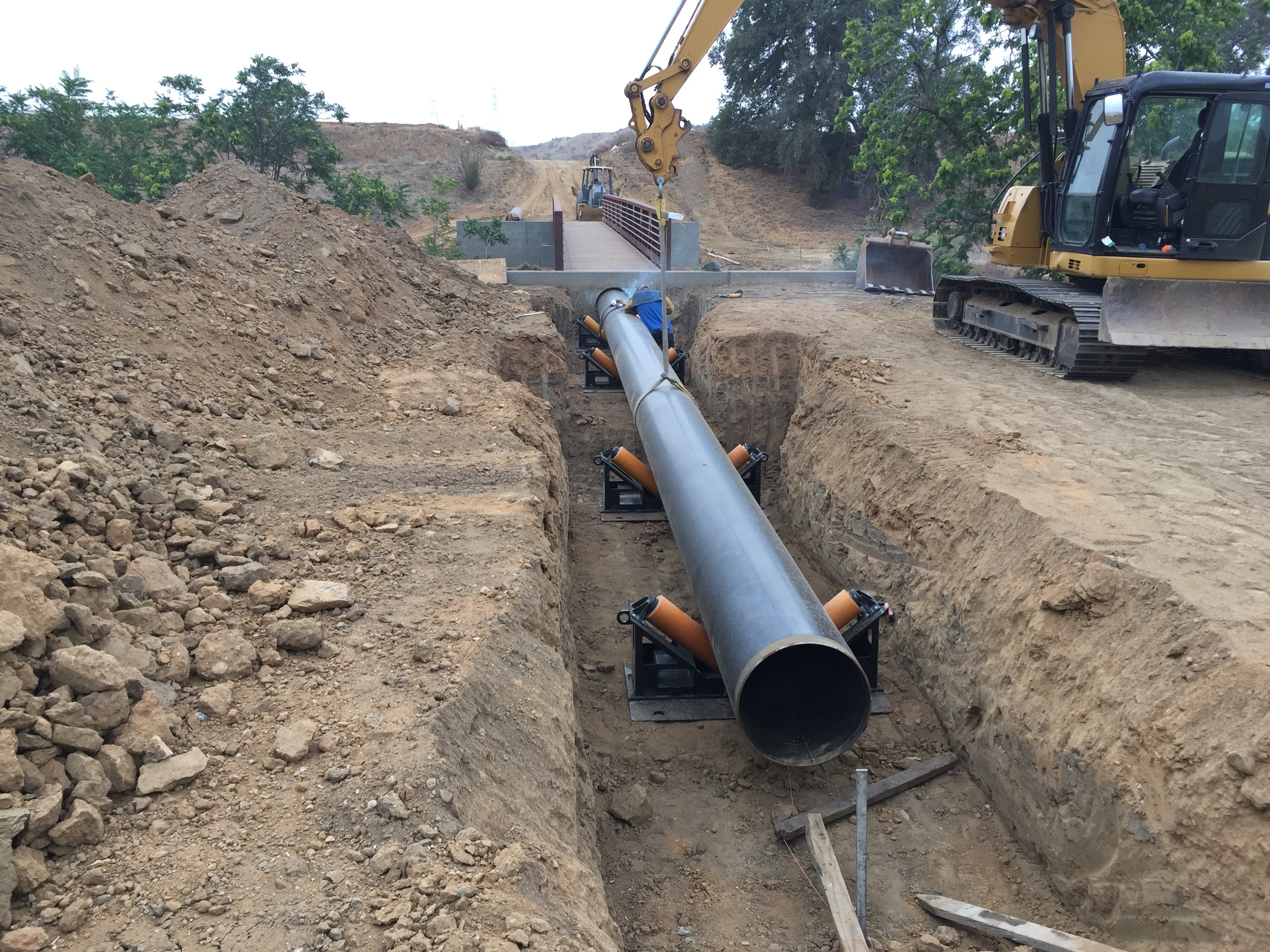 horizontal-pipe-roller-rentals.jpg
