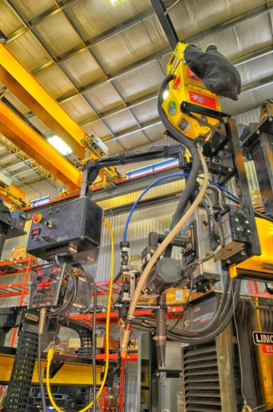 lincoln electric column and boom welding manipulator