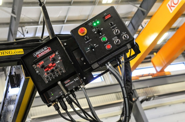 9 x 9 foot lincoln electric column and boom welding manipulator with subarc