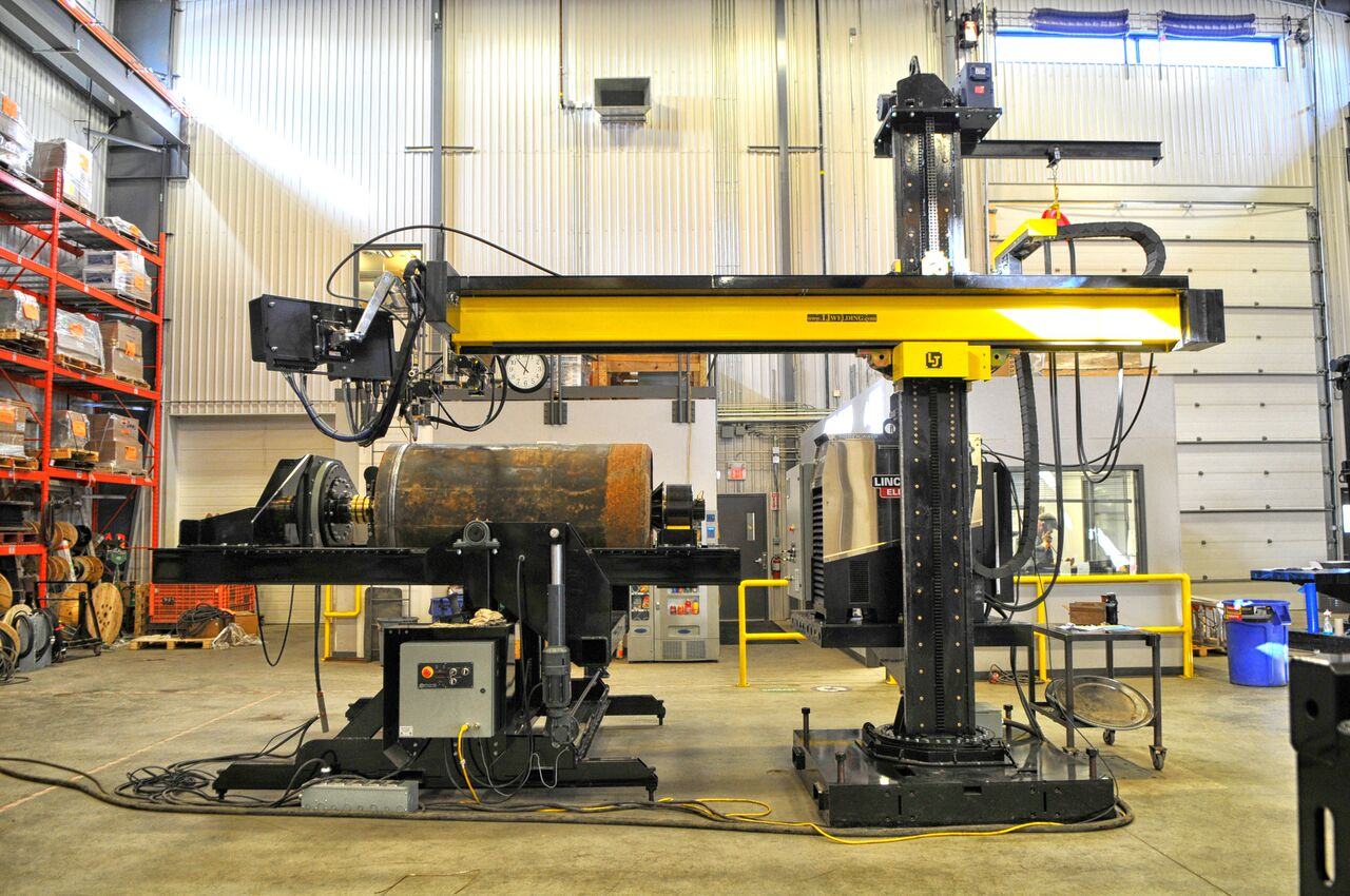 lincoln electric column and boom manipulator using submerged arc welding