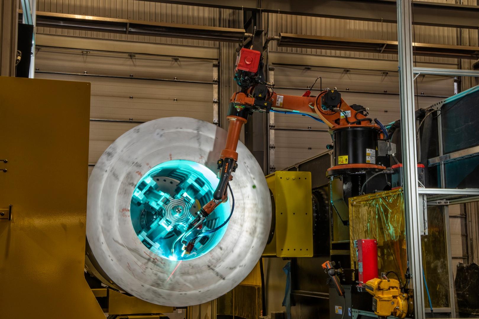 lj-adaptive-welding-robot