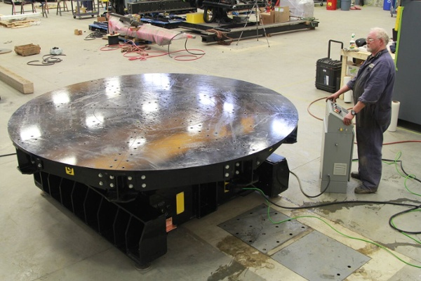 welding turntable with low profile
