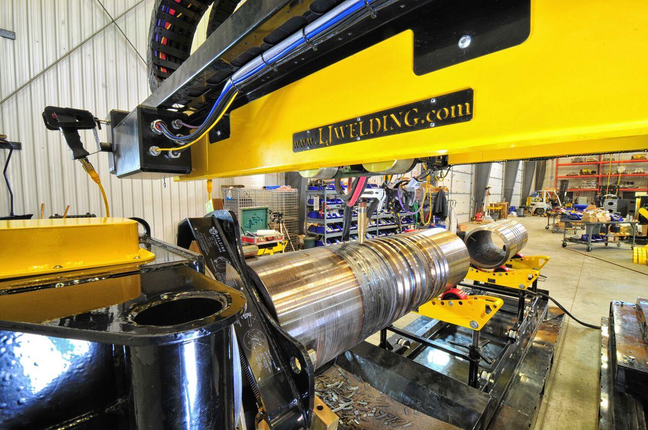 boom view from an lj welding manipulator