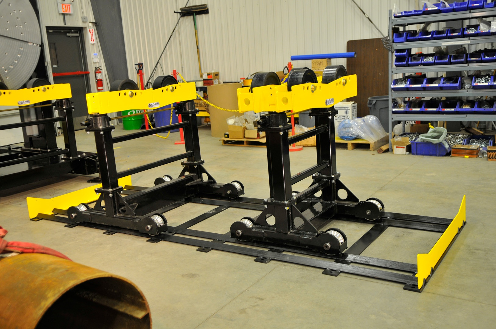 track mounted pipe roller stands