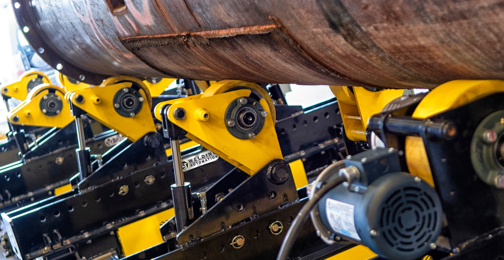 pipe double jointing, self-aligning rotators by LJ Welding