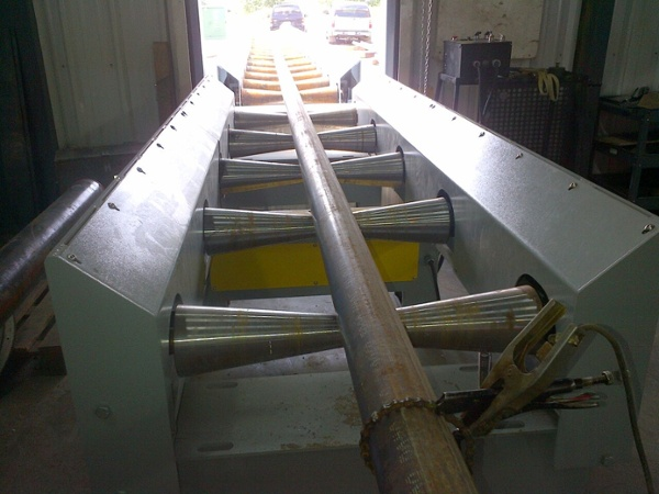 pipe conveyor for heavy-duty pipe