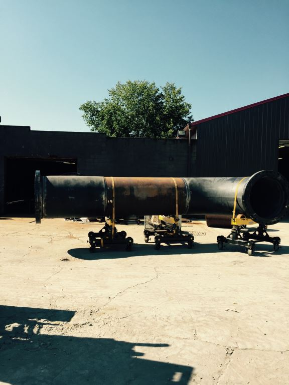 gear elevated pipe welding stand loaded with thick pipe